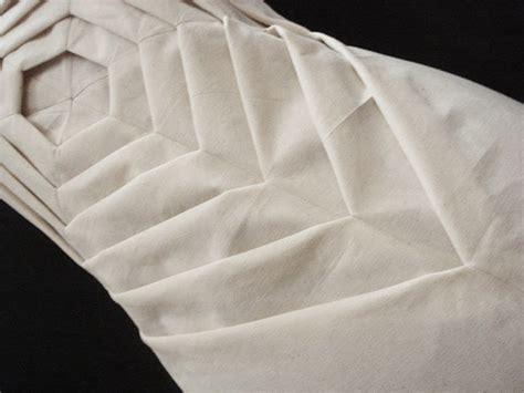 Origami Fabric Folding - origami fashion manipulated fabric folds exquisite