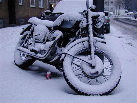 Motorrad Winter Laufen Lassen by Winter Ratgeber Motorrad Gut Einmotten Magazin Auto De