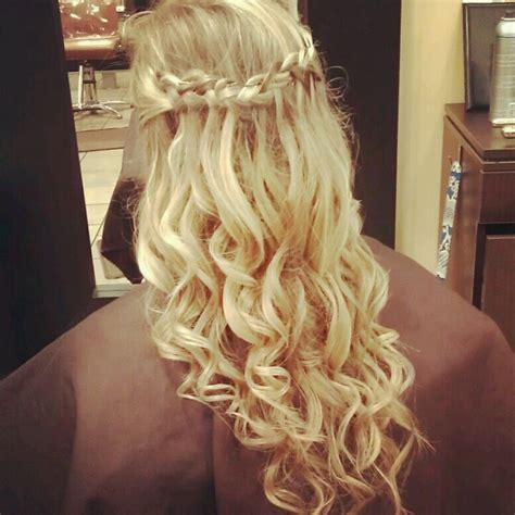 homecoming hairstyles curls best 25 waterfall braid prom ideas on pinterest
