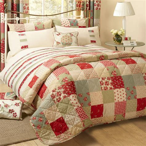 Quilted Patchwork Bedspreads - dreams n drapes petticoat patchwork applique quilted