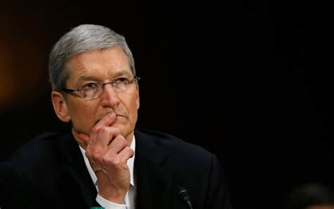 apple ceo tim cook plans to give his fortune to charity