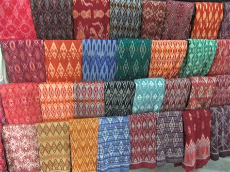 Kain Tenun Ikat Blanket Tb048 image gallery tenun ikat