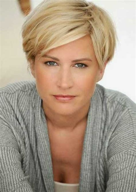 short haircuts for women over 35 5 reasons i stopped coloring my hair best short haircuts