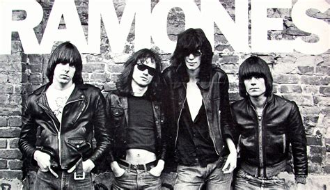 Kaos Ramones Gabba Gabba Hey White Print On Gildan rip ramone