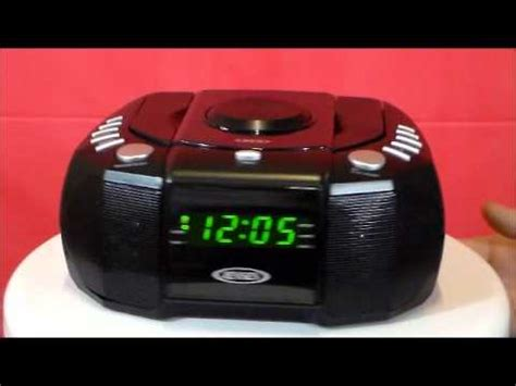 jcr 310 am fm stereo dual alarm clock radio with cd player
