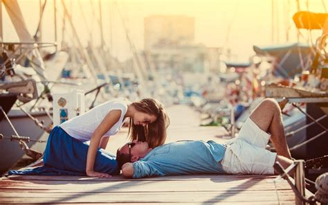 Couple Bed Hd Wallpaper | lovely romantic couple hd wallpapers new hd wallpapernew