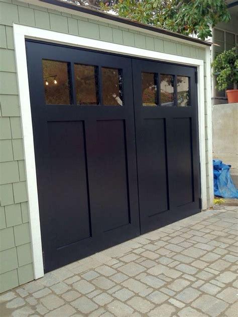Garage Door Style by Best 25 Carriage Garage Doors Ideas On Garage