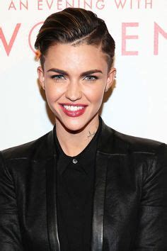 haircuts that give you an instant facelift refinery29 1000 images about hairy carey on pinterest short curly