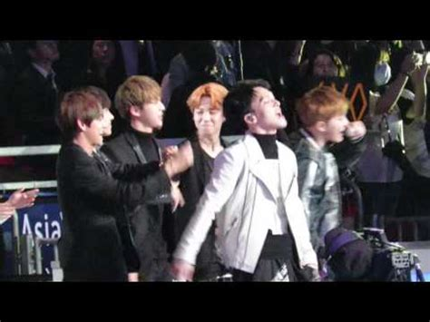 exo reaction to bts fancam exo drop that with bts reaction mama2015 in