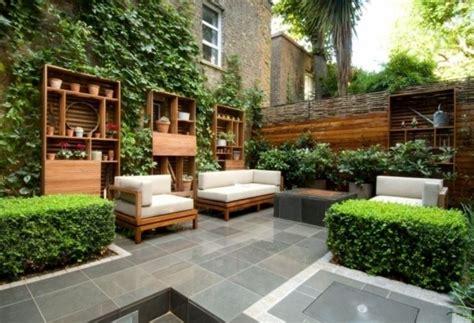 kleine terrasse gestalten kleine terrassendecke gestalten kleine terrasse ohne rasen