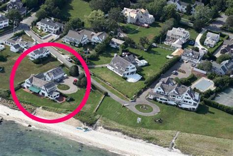 taylor swift s house photos explore taylor swift s new kennedy adjacent beach house popdust