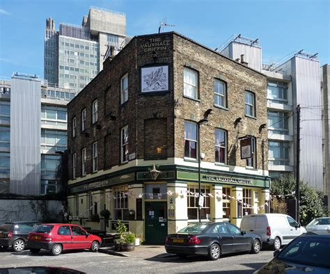 vauxhall griffin the vauxhall griffin wyvil road 169 stephen richards cc by