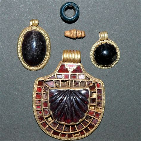no pun intended anglo saxon clothing and jewelry