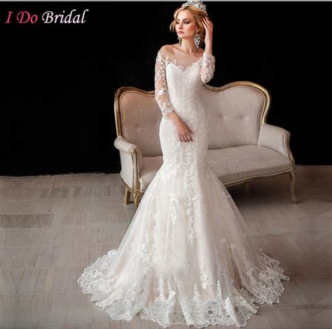 scoop neckline vintage long sleeve wedding gowns