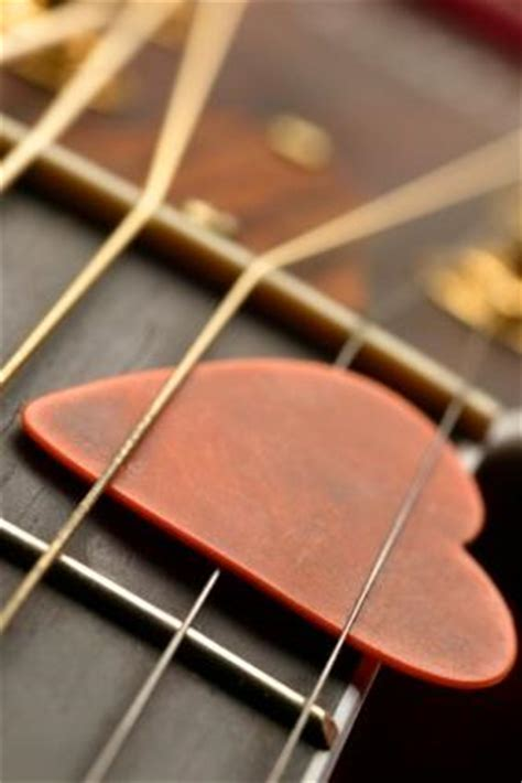 guitar picks lovetoknow