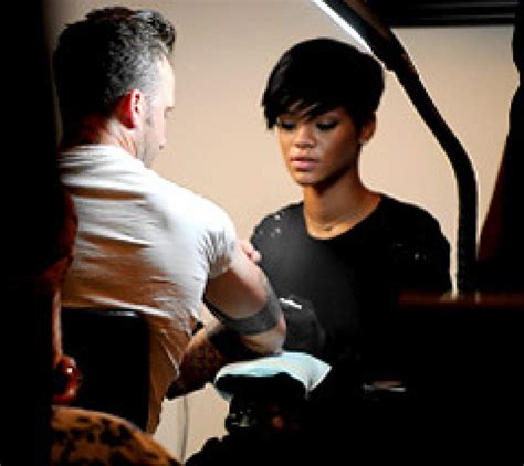 rihanna side tattoo nyc fined after letting rihanna