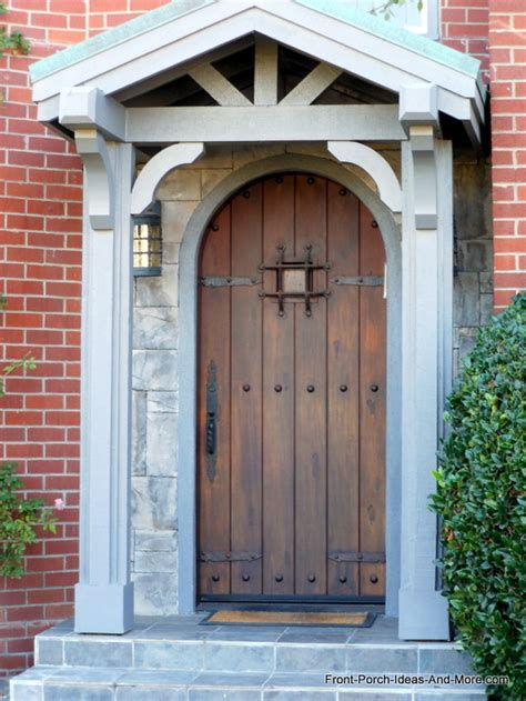 delightful Front Porch Decorating Ideas #2: oval-front-door-rt.jpg