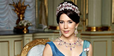 princess mary of denmark new bangs december 12 2013 the royal correspondent