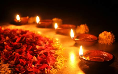 beautiful diwali diyas pics happy diwali celebration pics