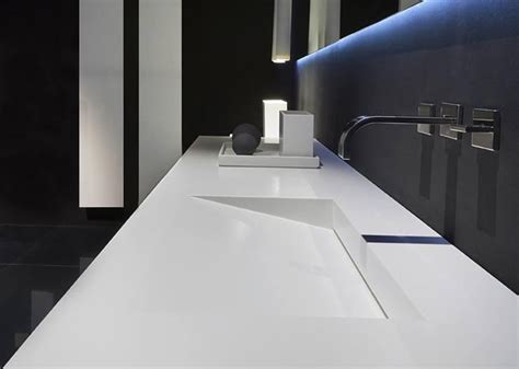 Corian Platte Küche by Badezimmer M 246 Bel Mit Modernem Design Welches Material F 252 R