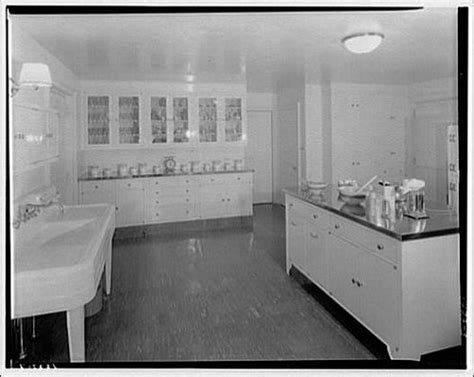1930 kitchen 1930s kitchen in a linoleum ad 1920s 1930s kitchen from library of congress by whitewall buick via flickr kitchens kitchen
