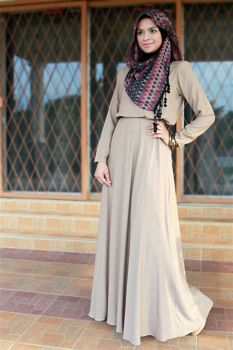 Dress Maxi Wanita Muslim Brokat Pesta Maxy Simple hijabi style neutral flowing dress in beige with patterned scarf in matching neutral tones hint