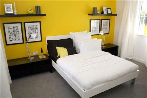 yellow accent wall 33 best yellow accent wall images on pinterest bedrooms