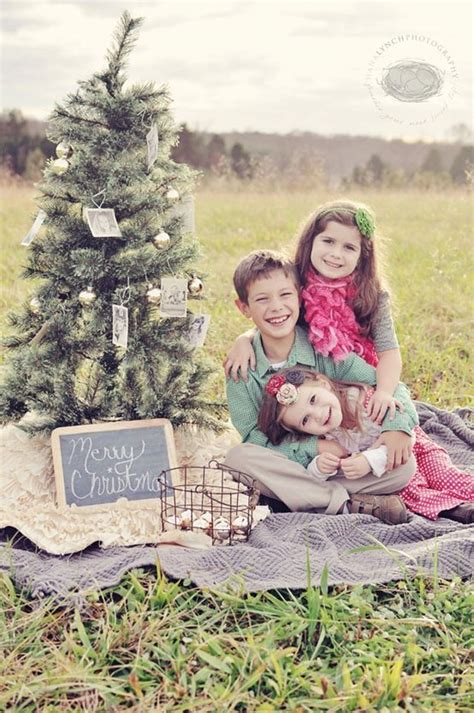 unique family christmas photo ideas 40 creative and unique ways to take a family photos for your cards