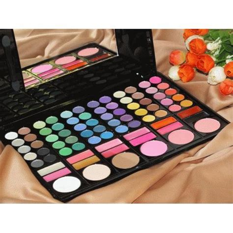 Harga Make Blush On make up palette lengkap 60 eyeshadow 12 lipstick 6