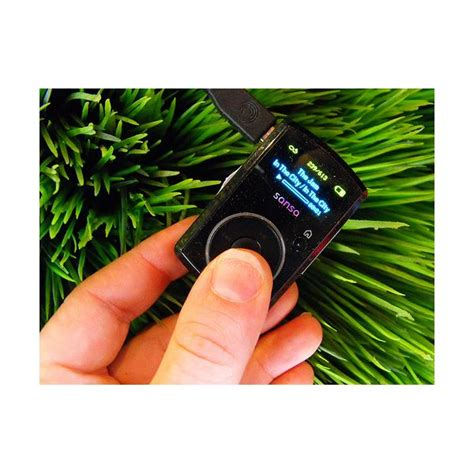 best mp3 player that isn t an ipod ipod shuffle vs sansa clip which is the best mp3 player