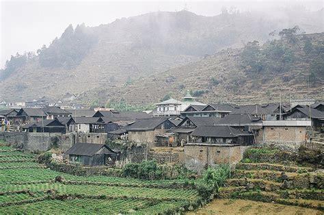 visiting  indonesian city  bandung indonesia travel