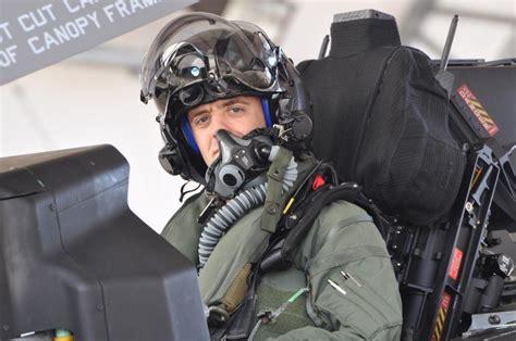 Helmet United F22 Diskon f 35 pilot cadre grows to 100 at eglin air base wings