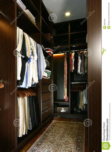 guardarropa organizado interior design wardrobe royalty free stock photography