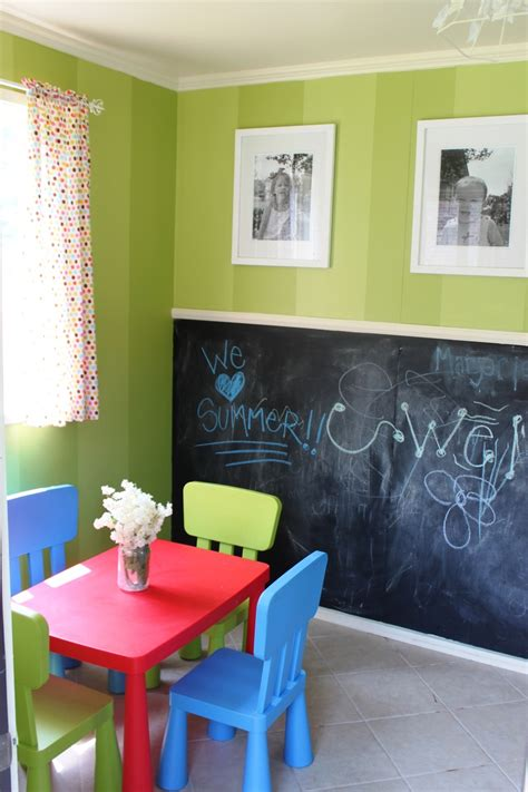 chalkboard paint playroom 25 best ideas about vertical striped walls on