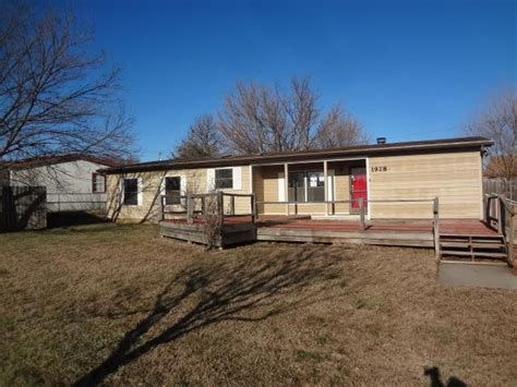 houses for sale in junction city ks 1928 northwind dr junction city ks 66441 reo home details reo properties and bank