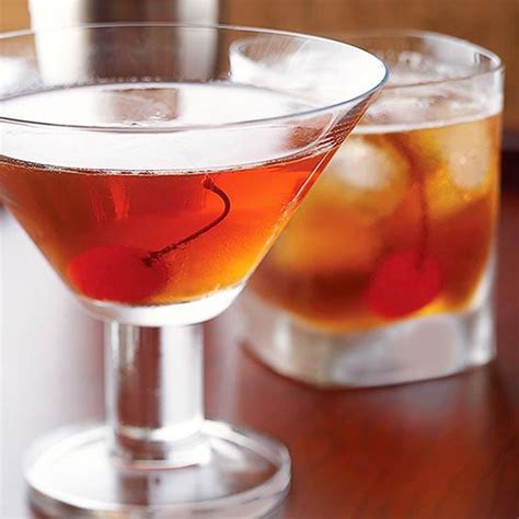 manhattan drink classic manhattan cocktail recipe dishmaps