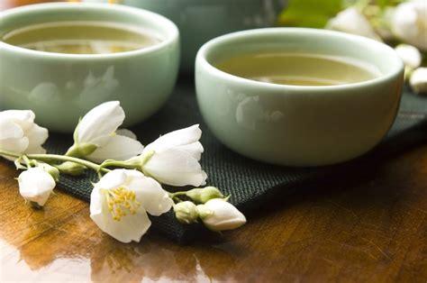 tre hanno impilato le tazze di caff 232 tisana lassativa tisane preparazione di una tisana