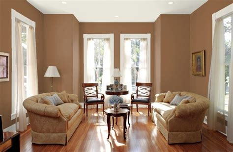cat ruang tamu warna coklat