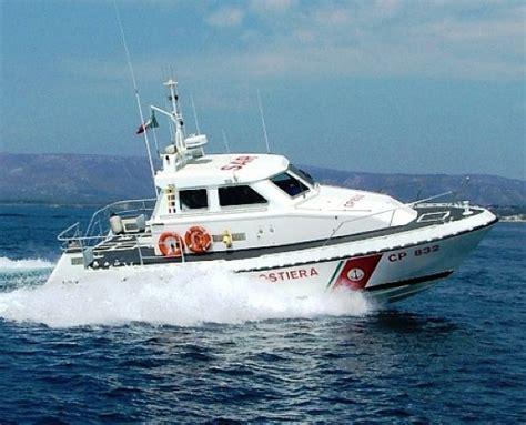 concorsi capitaneria di porto collisione tra imbarcazioni a salerno guardia costiera