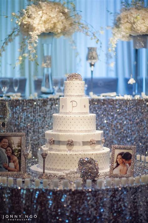 bling wedding cake table wedding sparkly bling theme bling wedding cakes bling
