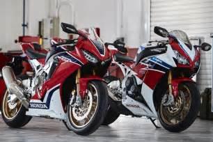 Honda 1000rr 2017 Honda Cbr1000rr Sp And Sp2 Look 18 Fast Facts