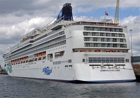 norwegian cruise ship jade norwegian jade itinerary schedule current position