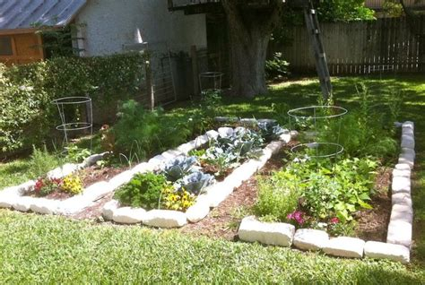 17 best ideas about small herb gardens on
