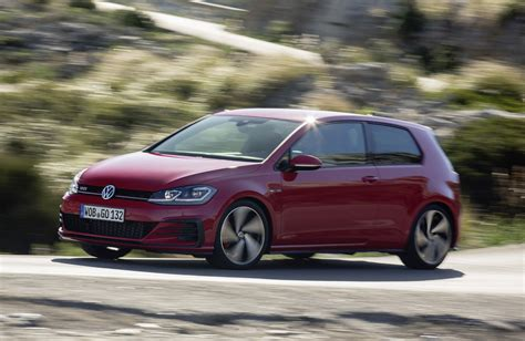 volkswagen golf 3 gti news 3 door vw golf gti with 180kw due here in august
