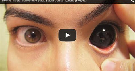 insert  remove black sclera contact lenses