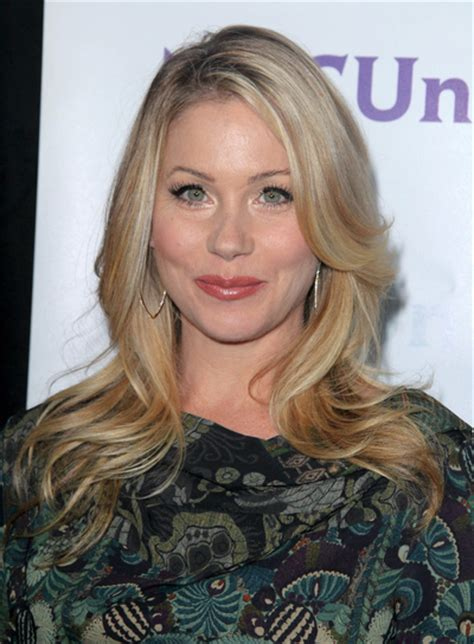 christina applegate hairstyles christina applegate beauty riot