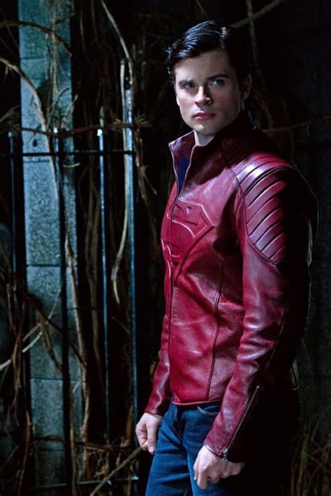 Jaket Hm 9 C Superman tom welling wearing superman jacket in smallville season 10 episode 14 movieweb