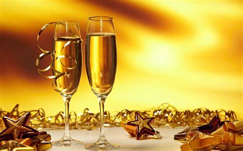 new year 2018 images with rose and wine decuration 37 dedicatorias y frases de fin de a 241 o feliz a 241 o nuevo femeninas
