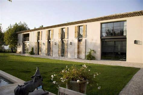 Location maison moderne en pleine campagne Aixoise pour photos tournages événements Aix en