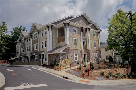 Oak Apartments Boone Nc The Heights On Green The Winkler Organization